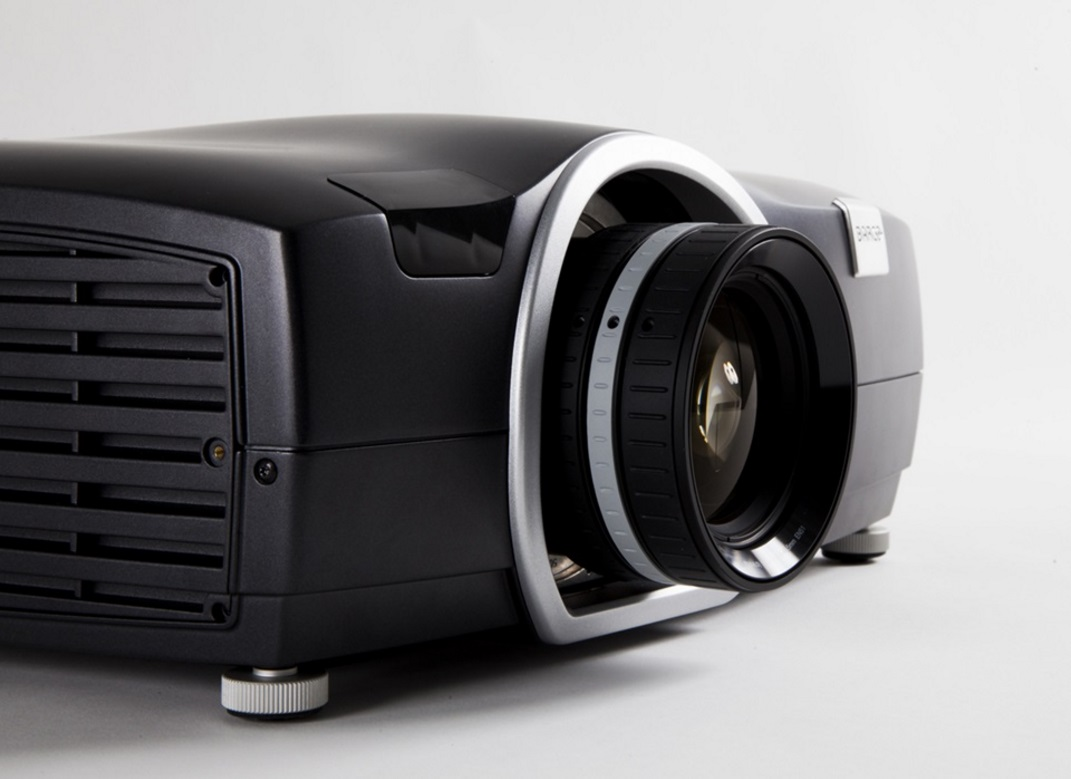 Barco-F50-0-Hardware-Pro